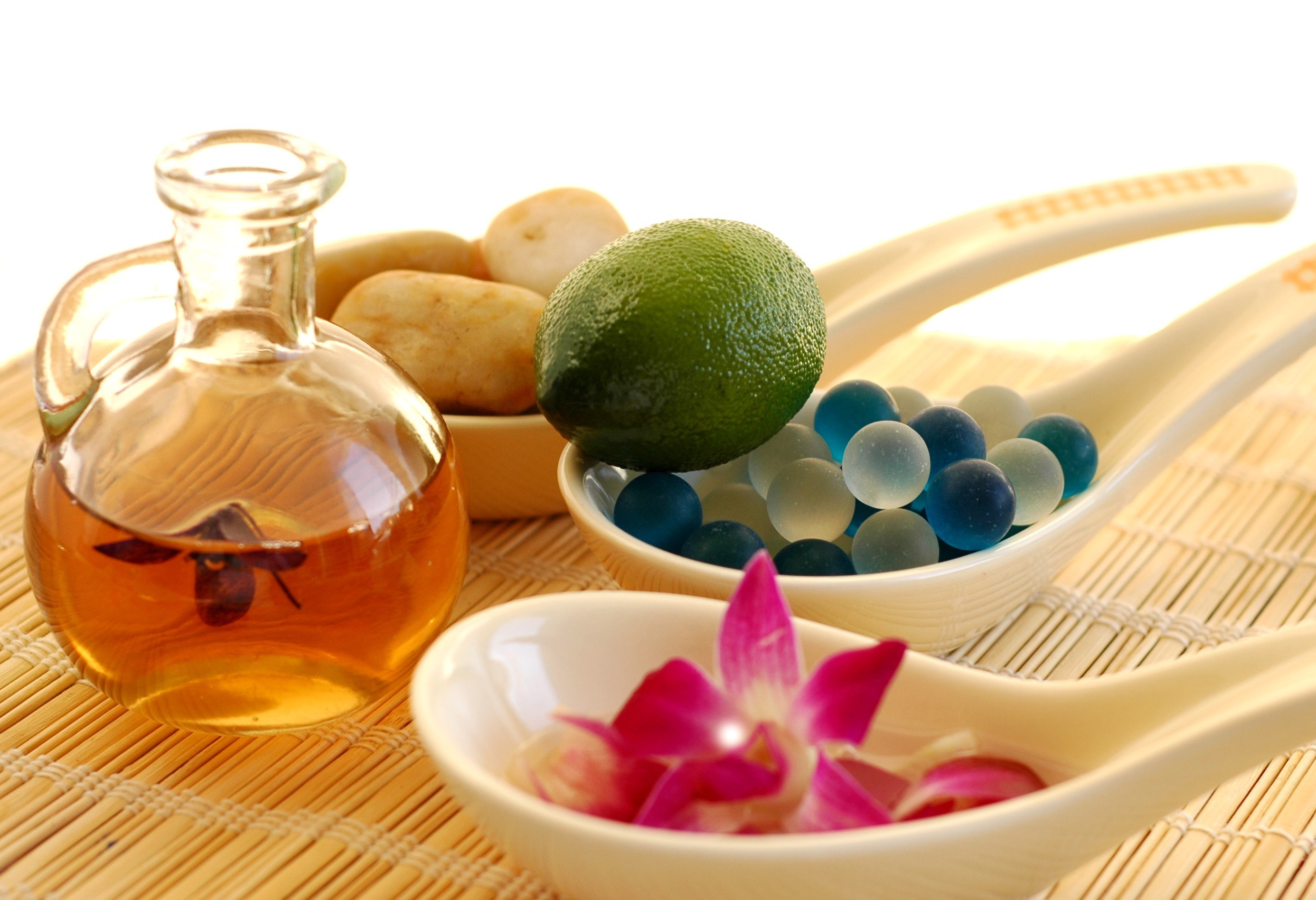 aromatherapy 1 Aromatherapy for alzheimer's improves the quality of life for people with dementia certain essential oils improve mood, memory and even cognition.
